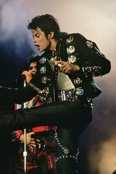 Michael Jackson BAD World Tour Wanna Be Starting Something Live Yokohama 1987