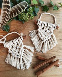 Mini macrame boho christmas tree decorations on cinnamon stick crafts & Crafts For Teens, Hobbies And Crafts, Arts And Crafts, Diy And Crafts Sewing, Diy Crafts, Stick Crafts, Christmas Tree Decorations, Christmas Crafts, Hygge Christmas