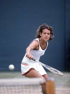 Evonne Goolagong Cawley - not only a great player, but a class act all the way. Tennis Rules, Tennis Tips, Tennis Serve, Play Tennis, Australian Tennis, Tennis Photos, Hot Tickets, Tennis Players Female, Tennis Fashion