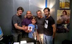 BUENOS DIAS MUNDO!!! Asi empezo la semana en lhmagazin.com con la visita a nuestro estudio en Ritmo y Compás del grupo Saltimbankins el grupo de Rafa Gutierrez de Hombres G