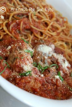 A Feast for the Eyes: Meatballs and Marinara - Pressure Cooker Style (or slow cooker)-We loved this recipe.  Meatballs were amazing in the pressure cooker.
