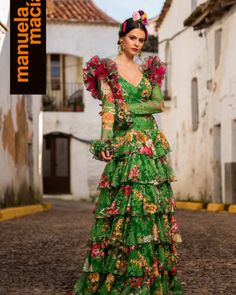 Colección 2019 Manuela Macías Moda Flamenca Dress Up Closet, Flamenco Costume, Spanish Dress, Tribal Dress, Wedding Costumes, Festival Wear, Traditional Dresses, Belly Dance, Dance Wear