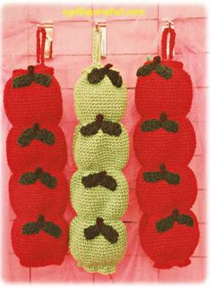 Crochet Plastic Bag Holders - Apples also has Corn and Carrot