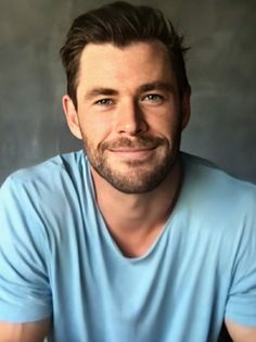 Hemsworth Brothers, Chris Hemsworth Thor, Sexy Men, Sexy Guys, Great King, Most Beautiful Man, Hairy Men, A Good Man, Foto E Video