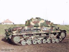 Turán II Hungarian medium tank of World War II. Based on the design of the Czechoslovak Škoda with a 75 mm gun