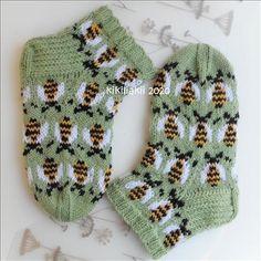 Wool Socks, Knitting Socks, Kids Socks, Baby Knitting Patterns, Mittens, Knit Crochet, Hello Kitty, Arts And Crafts, Embroidery