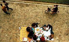 Oh, just a picnic in Paris...    (malias c Picnics in Paris from hipparis.com)