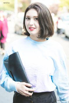 Jeon Somi, Kpop Girls, Asian Beauty, Girl Group, Hair Makeup, Bell Sleeve Top, Hair Beauty, T Shirts For Women, Female