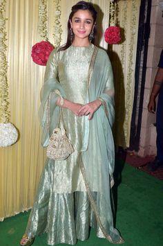 Yay or Nay? Alia Bhatt wearing a green silk attire at Ekta Ravi Kapoor's diwali party Stylish Dress Designs, Stylish Dresses, Simple Dresses, Pakistani Dresses Casual, Indian Dresses, Diwali Outfits, Indian Skirt, Classy Suits, Lehnga Dress