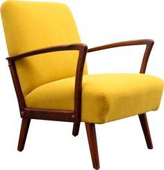 """<p><span style=""""font-family: Arial; font-size: 12px; font-style: normal; font-weight: normal;"""">Fauteuil en hêtre et tissu jaune datant des années 1960 avec structure en bois d'hêtre laqué. Fauteuil retapissé professionnellement avec tissu jaune haut de gamme. Bon état général.</span></p>"""