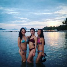 Nothing like great friends to complete a great day. #palawan #travel #travelblogger #sunset #travelling #philippines #bff #healthylivingjunkie #vacation #travel #lifeyourlife #lifestyle