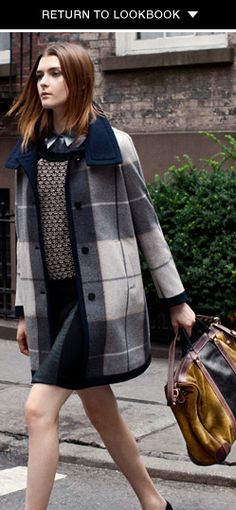 Patterned sweater + the perfect tote