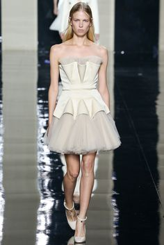 Christopher Kane Spring 2015 Ready-to-Wear - Collection - Gallery - Look 22st - Style.com