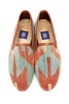 MENS KILIM LOAFER 7-11 Rug Texture, Jute Rug, Hand Weaving, Toms, Loafers, Pairs, Mens Fashion, Unique, Heels