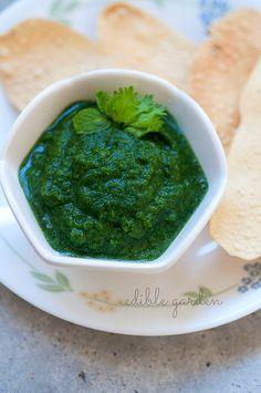 green chutney for chaat, sandwiches (mint coriander green chutney)
