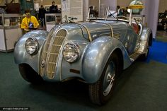 First seen at the 1936 Olympics, it was designed by Kurt Joachimson, a Jew. The Germans tried to disguise this embarrassment by attributing the design to Fritz Fiedler, and/or other untainted German designers. Bmw V8, Vintage Cars, Antique Cars, 1936 Olympics, Ferrari, Audi, Bmw Cars, Amazing Cars, Car Car