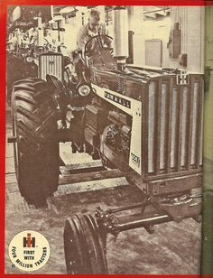 4 Millionth IH built, a Farmall 806 nobody will ever see anything like this in the united states ever again...thanx epa! Farmall Tractors, Ford Tractors, Red Tractor, Classic Tractor, Future Farms, Case Ih, International Harvester, Farm 2, Drag Racing