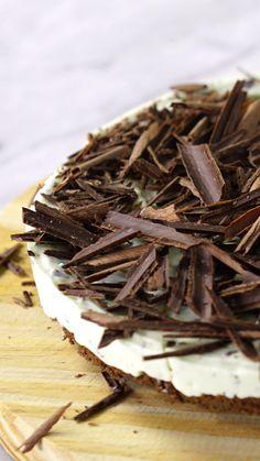A irresistível combinação da chocomenta em um incrível e refrescante cheesecake.