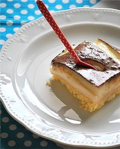 Time for dessert! Kok:Greek dessert w/ cream and chocolate sause. Greek Sweets, Greek Desserts, Party Desserts, Summer Desserts, Pureed Food Recipes, Sweets Recipes, Cake Recipes, Sweets Cake, Cupcake Cakes