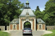 Portalen til Knuthenborg  Safaripark.