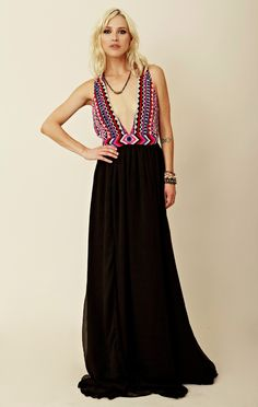 Mara Hoffman Dress and Vanessa Mooney Necklace    A Perfect Pairing.