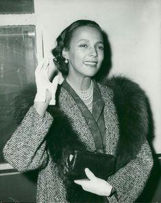 Old Hollywood Stars, Old Hollywood Glamour, Classic Hollywood, Black Actresses, Hollywood Actresses, Ms Jones, Beautiful African Women, Lena Horne, Dorothy Dandridge