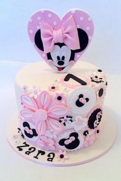 Minnie Mouse Cake Ideas | Minnie Mouse Birthday Party Ideas | Mickey Mouse| Disney | Daisy Duck | Minnie's Yoo Hoo | Minnies Bowtique Party | Fun | Custom Cake | Birthday Cake for Girls Ideas | Smash Cake
