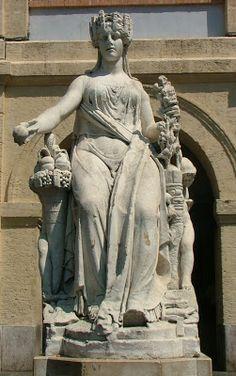 Joseph Chinard, La Paix, statue en marbre, 1810 Place des Capucins, 1er arrondissement, Marseille
