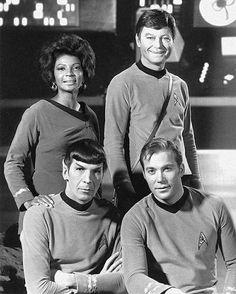 Uhura, McCoy, Spock, Kirk