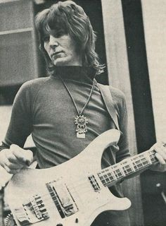 http://cascade-crimson.tumblr.com/tagged/chris squire/page/3