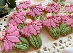 Flower Sugar Cookies, Butterfly Cookies, Butterfly Kisses, Iced Cookies, Cake Cookies, Cupcake Cakes, Cut Out Cookie Recipe, Cut Out Cookies, Mini Cookie Cutters