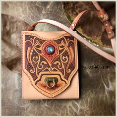 Leather Carving, Leather Art, Leather Pouch, Leather Tooling, Leather Jewelry, Leather Purses, Leather Shoulder Bag, Leather Handbags, Pouch Pattern