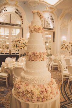 Extravagant Wedding Cakes, Pretty Wedding Cakes, Luxury Wedding Cake, Floral Wedding Cakes, Amazing Wedding Cakes, Elegant Wedding Cakes, Wedding Cake Designs, Rustic Wedding, Amazing Cakes