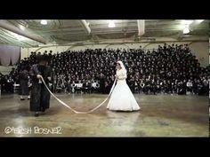 Bobov Rebbe Shlita Dancing Mitzva Tantz at the Bobover Wedding. Jewish Wedding Dance, Jewish Wedding Traditions, Wedding Songs, Jewish Weddings, Chuppah, The Tabernacle, Bat Mitzvah, Traditional Wedding, The Power Of Love