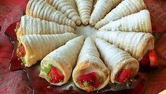 Külah Pasta Tarifi nasıl yapılır? Külah Pasta Tarifi'nin malzemeleri, resimli anlatımı ve yapılışı için tıklayın. Yazar: Kadınca Tarifler