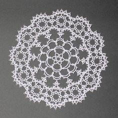 """We started selling the pattern of """"Nobara's Arch Daily"""" 可 It's a pretty impression because I knit with DMC 100 number.  We will exhibit it even in the design festival.  For more details, please check my Etsy page written in my profile 🏠 Please see the profile link 😉 # Tatting race # Tatting # Handicraft # Lace knitting # tatting # tattinglace # handmade # handcrafted # AYALace # Original pattern #etsy"""