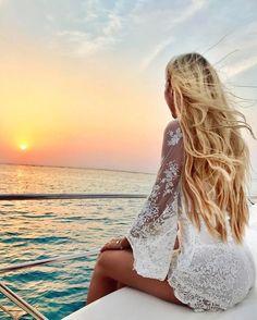 """29.6b Beğenme, 384 Yorum - Instagram'da MADELEINE ✈️💕 (@pilotmadeleine): """"I just love the Indian Ocean 🌅"""""""