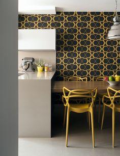 Fernando Piva muda layout e cria décor que resiste aos modismos Rustic Kitchen, Kitchen Decor, Kitchen Design, Decor Interior Design, Interior Decorating, Dinner Room, Open Concept Kitchen, Mid Century Modern Design, Colorful Decor