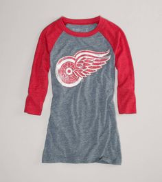 Detroit Red Wings NHL Raglan T... omg these shirts remind me so much of my brothers :')