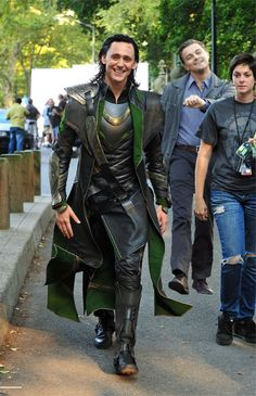 Why they would want to ruin this picture of Tom Hiddleston (Loki) with a Leo DiCaprio photo-shopped in is beyond me.