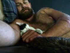 #sundaysnugglebuddy #rescuekitten #chapswithcats