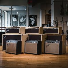 Whether you're filling stadiums or playing to the mirror in your room, if you're looking for gear we got you! Check out our crazy selection of vintage Fender amps today! Fender Guitar Amps, Guitar Photography, Bass Amps, Body Electric, Cool Gear, Vintage Guitars, Beatles, Music, Bands