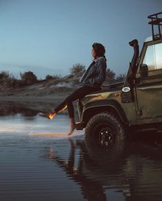 Land Rover Defender and girl. I Love it. Lobezno.