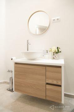 El nuevo baño de M. y Lola - #reforma #renovation #baño #bathroom #blanco #white #beige #madera #wood