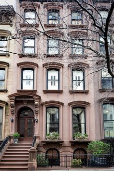 Above the Brooklyn Heights Promenade, New York Times Brownstone Homes, New York Brownstone, Townhouse, Brooklyn Brownstone, Beautiful Homes, Beautiful Places, Brooklyn Heights, 3d Home, Brooklyn Nyc