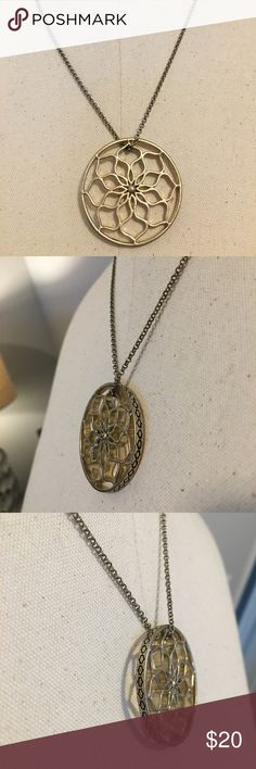 Fossil necklace Fossil gold short pendent necklace. Pre loved but in great condition Fossil Jewelry Necklaces