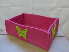 Filzkorb, Pink mit Schmetterling,  22.5x8.5x15 cm(BxHxT), CHF 16.- Decorative Boxes, Container, Pink, Home Decor, Felting, Do Crafts, Rose, Hot Pink, Pink Hair