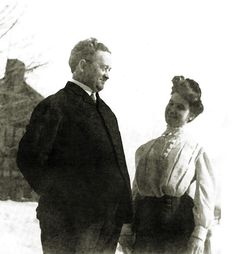 Dr. William Edward and Lilian Minahan - 1st class Titanic survivors... check out that look :-)