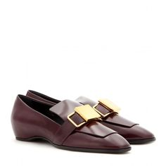 Tod's Leather Loafers (2.715 DKK) ❤ liked on Polyvore featuring shoes, loafers, red, loafers & moccasins, leather loafer shoes, leather loafers, tod's and loafer shoes