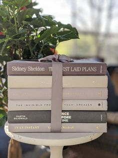 Vintage Girls Rooms, Vintage Nursery, White Books, Blue Books, Vintage Cookbooks, Vintage Books, Book Release Party, Sidney Sheldon, Book Centerpieces